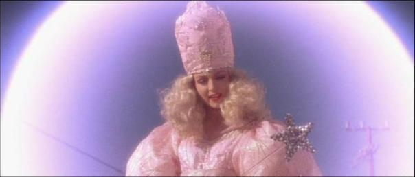 Sheryl Lee as Glinda the Good Witch