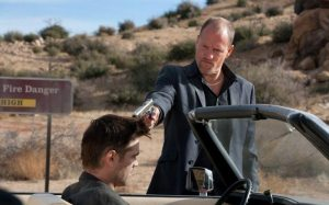 Woody Harrelson cures Colin Farrell's hangover in Seven Psychopaths