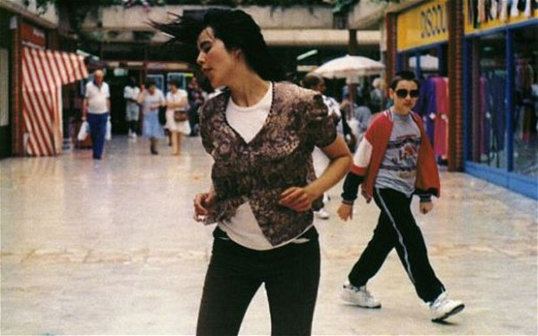 Gillian Wearing Dancing in Peckham