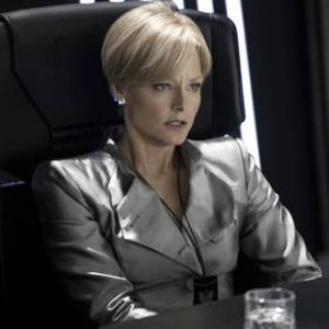 Jodie Foster as Linda Evangelista. In the future. In shoulderpads.