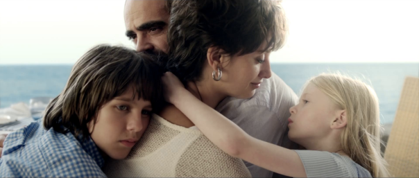 Teo Planell, Luis Tosar, Penelope Cruz and Anna Jimenez in Ma Ma