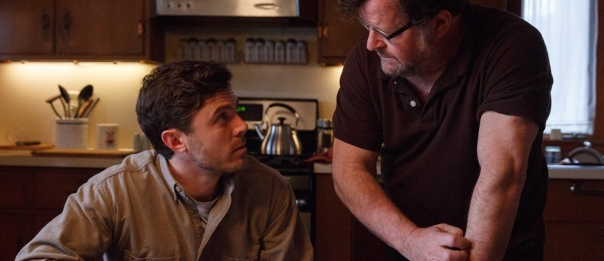 casey-affleck-and-kenneth-lonergan-on-the-set-of-manchester-by-the-sea-1200x520